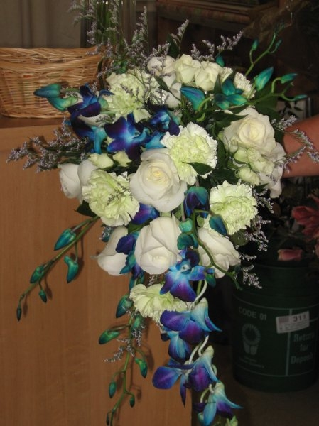 Bridal Bouquet In Mumbai : Exclusive valentine combos gifts to bombay