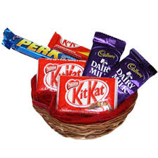 Small Chocolate basket ( 2 dairy Milk 2 Kitkat 2 Perk)
