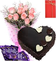 Heart cake 1 kg with 12 pink roses 6 silk chocolate bars