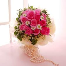 15 Pink roses in a bouquet